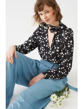 DAISY PRINT BLOUSE WITH NECK-TIE
